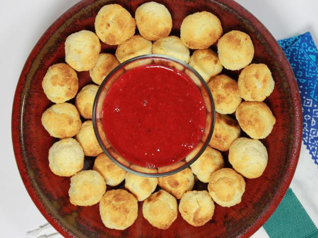 Coconut macaroons with rhubarb and raspberry sauce