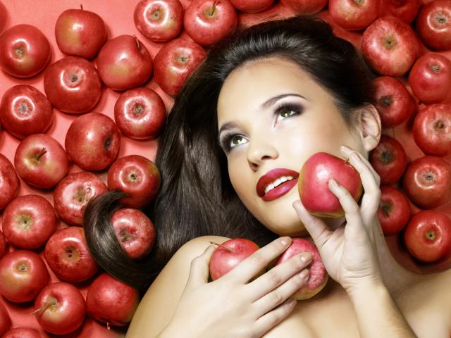 Eat your way to a flat belly apples