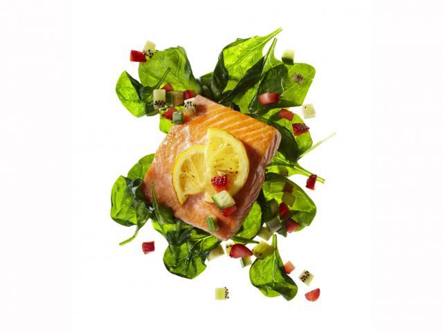 Salmon spinach - 167458972