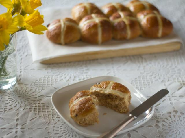 Healthy hot cross bun recipe