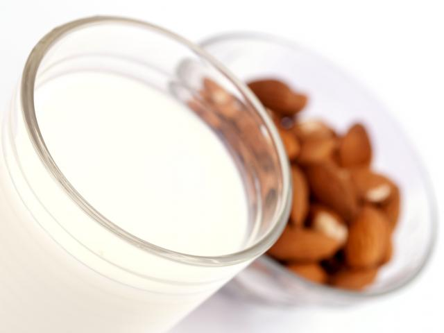 Glass-of-almond-milk-shutterstock