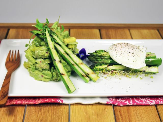 A healthy asparagus lunch