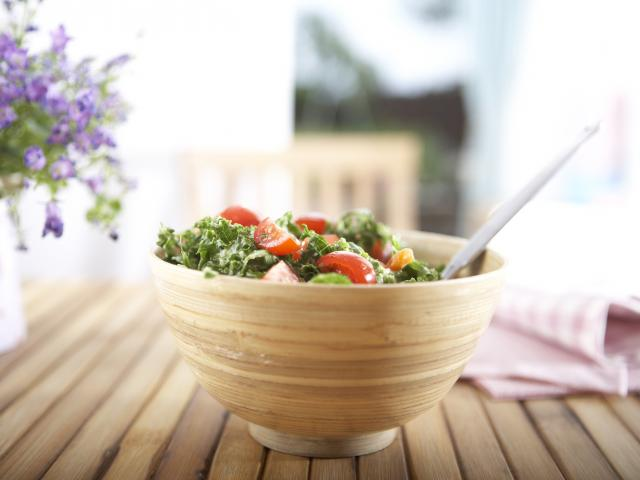 Kale-salad-raw-chi-foods-recipe