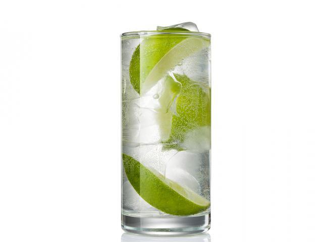 Vodka-lime-tonic-glass