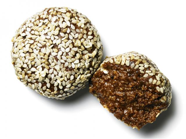 Sweet-and-salty-protein-balls