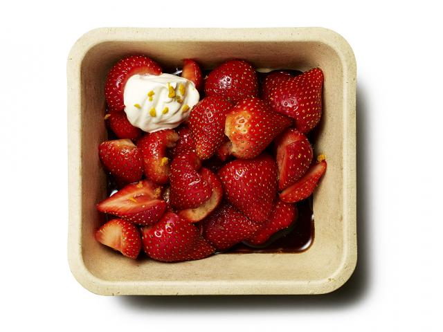 Strawberry-balsamic-vinegar-salad