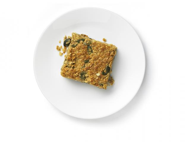 Energy-boosting oat bars recipe