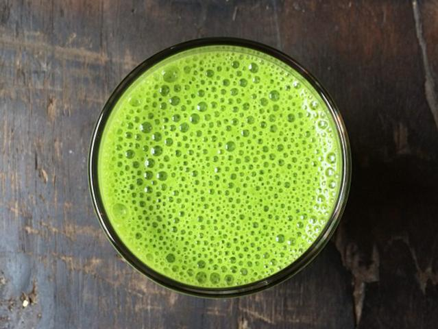 Tara stiles make your own rules diet the kermit green juice