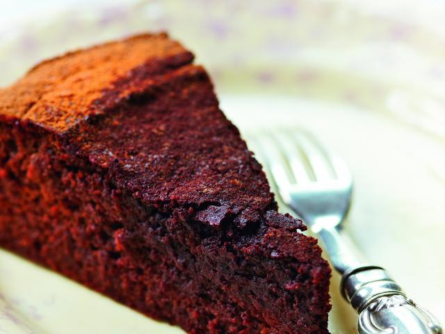Amber rose chocolate and beetroot cake
