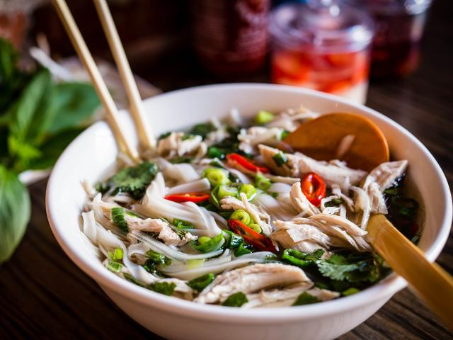 how to make chicken pho stock