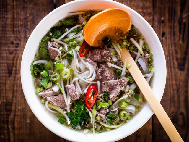 pho-tai-lan-hanoi-style-flash-fried-steak-garlic-soup-recipe-womens-health
