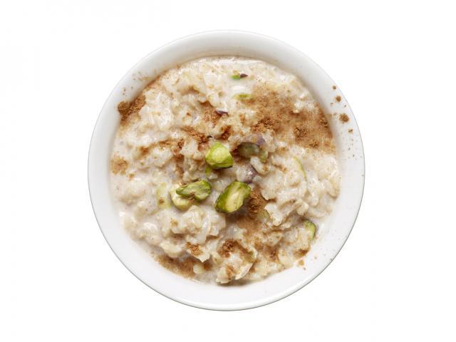 Pistachio rice pudding