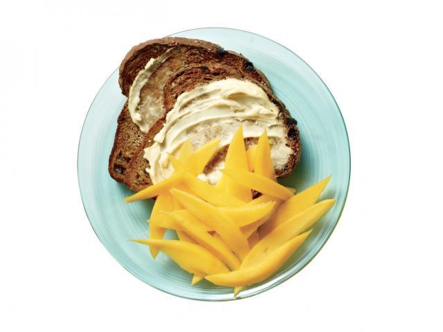 Flat belly breakfast fruity toast issue 14