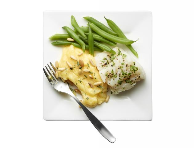 Steamed cod with rosemary, polenta and green beans