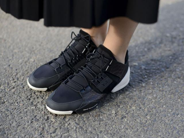 Street style - gym wear - y3 black trainers - womens health uk