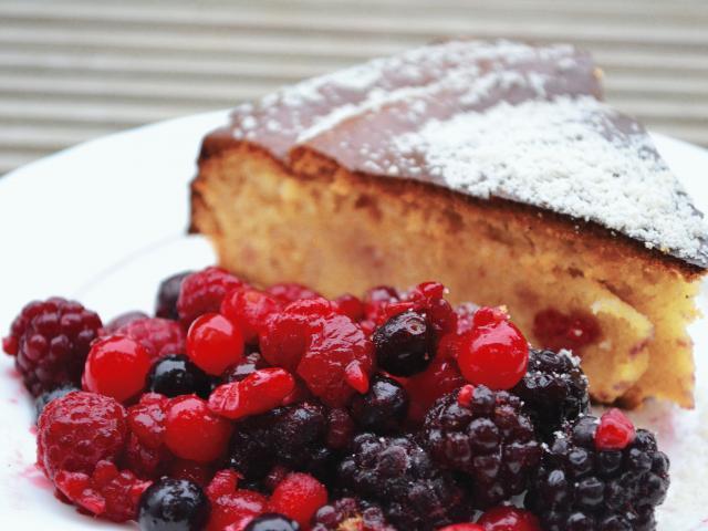 190 portugese almond cake  medium 4x3