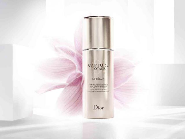 trial dior s new capture totale le serum skincare women 39 s health. Black Bedroom Furniture Sets. Home Design Ideas