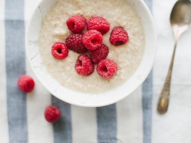 Mood boosting foods - happy healthy diet - oats - womens health uk