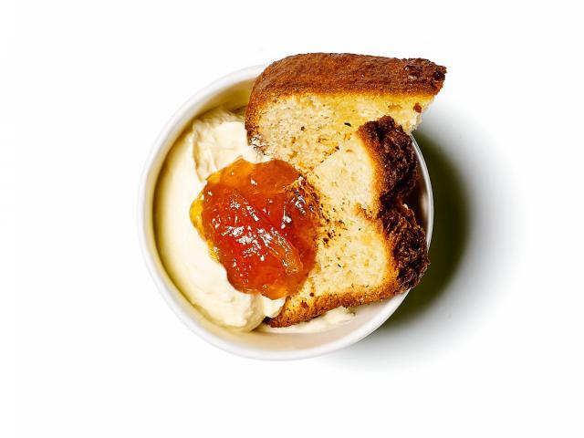 Coconut-bread,-seville-orange-marmelade,-greek-yoghurt-copy