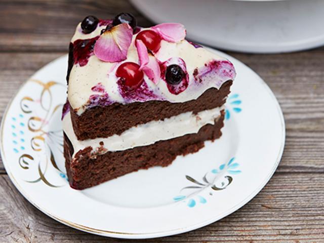 Chocolate cake - lucumu cashew frosting - Natasha Corrett - women's health uk