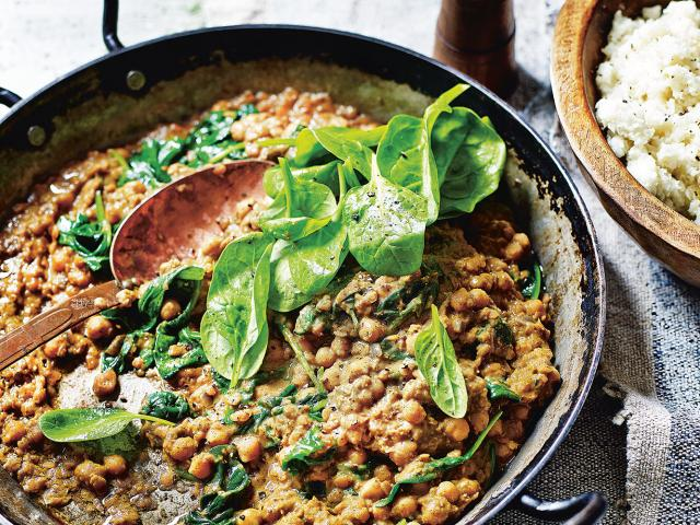 Madeleine shaw - chickpea lentil dhal coconut cauliflower rice recipe - womens health uk-2