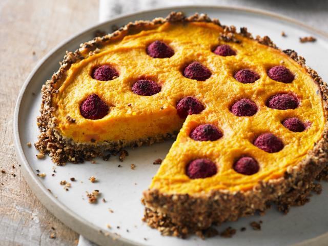 Raspberry-studded-pumpkin-pie
