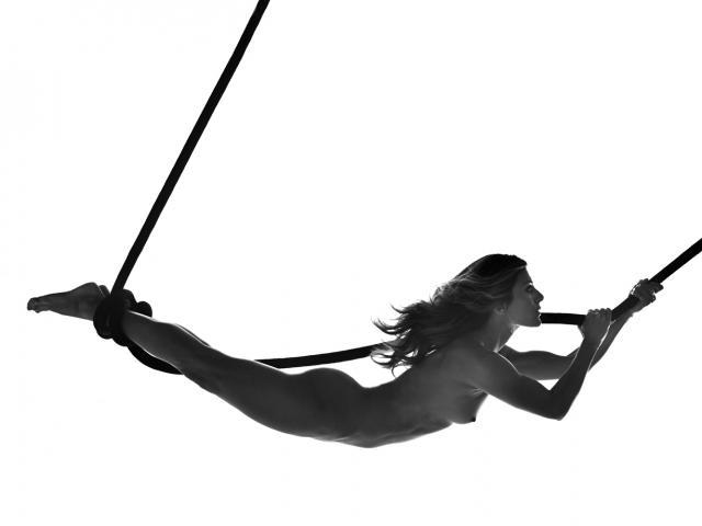 Zoe Hardman's naked photo shoot for Women's Health UK