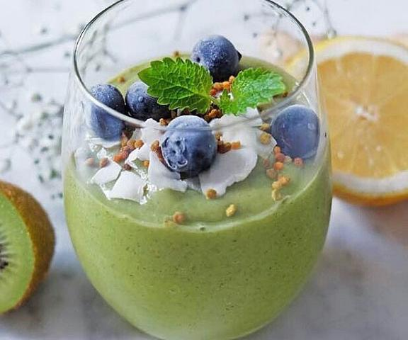 Healthy breakfast be fit smoothie instagram womens health