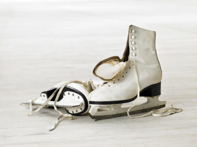 9 common ice skating mistakes that everyone makes - Women\'s Health