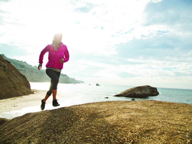 Roxy outdoor fitness model running