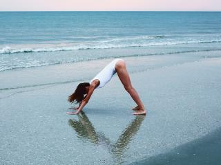 Yoga-downward-dog-beach