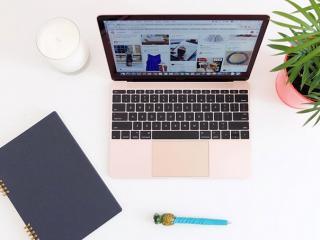 Macbook-pink