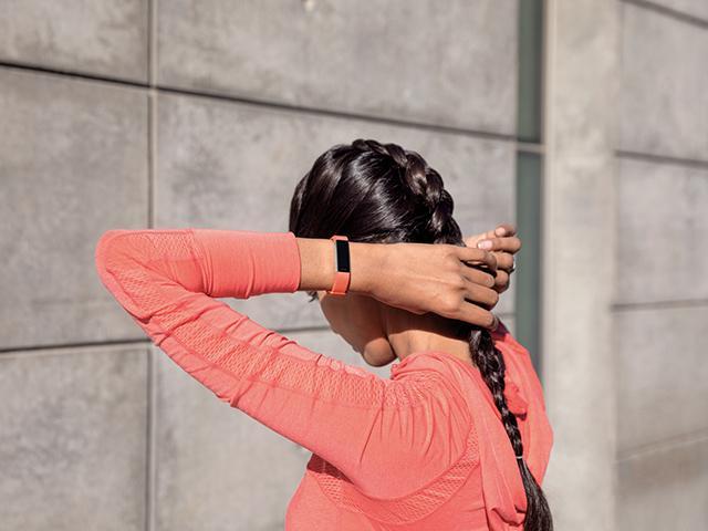 Fitbit-alta-hr lifestyle braidhair