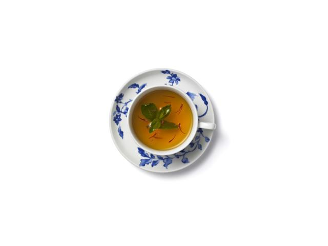Uplifting mint and saffron tea
