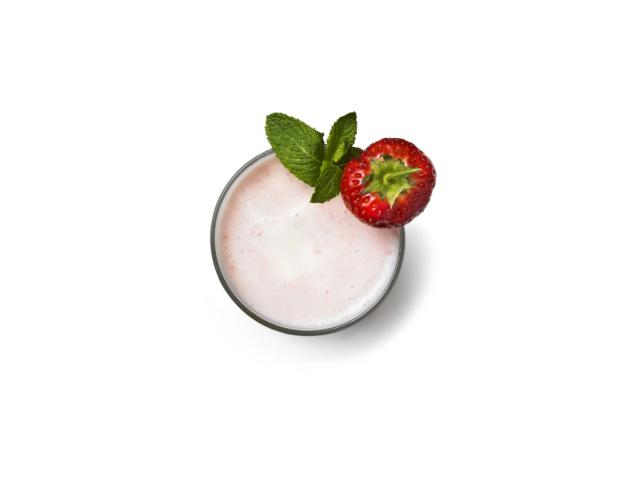 Healing strawberry and mint lassi