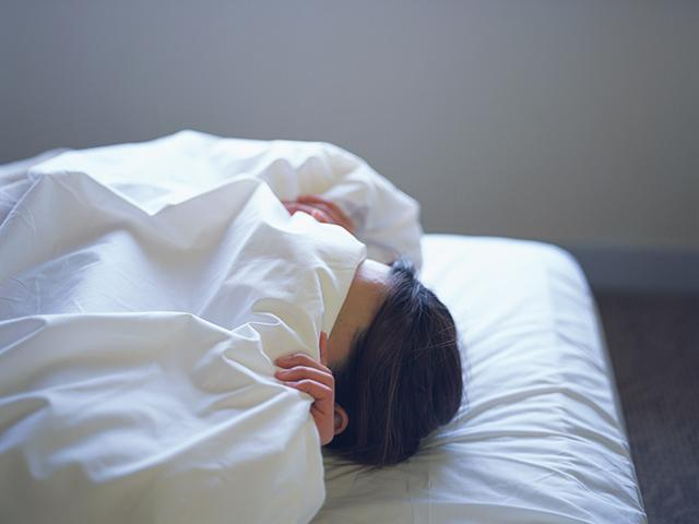 Sleep hiding under covers