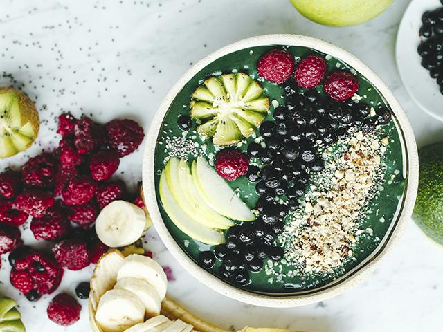 Green smoothie bowl from above