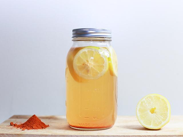 Lemon water - photographer