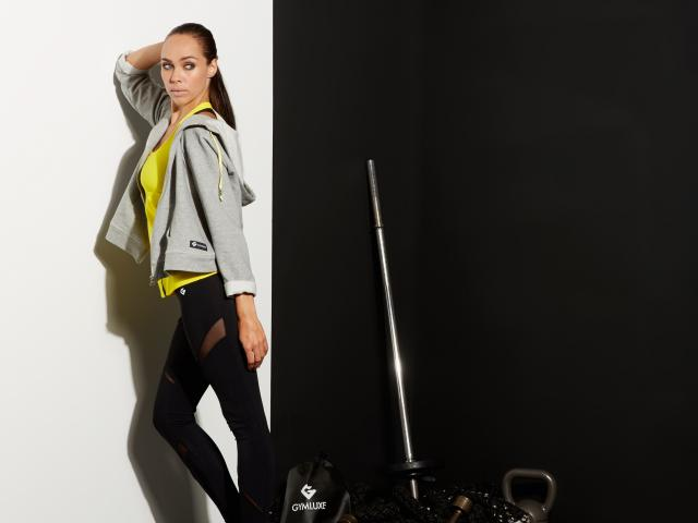 Gymluxe grey sweat yellow vest weights