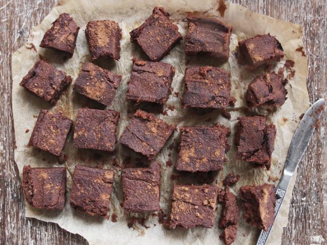 Sweet potato brownies deliciously ella