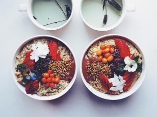 Prebiotic Porridge Bowls - What Actually Are Prebiotic Foods And Why Are They So Good For You? - Women's Health UK