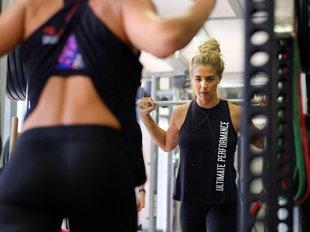 Gemma atkinson bb split squat 3