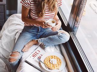 Woman-with-waffles