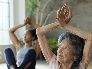 Yoga - Meet The World's OIdest Yogi—Who Still Teaches at 99 - Women's Health UK