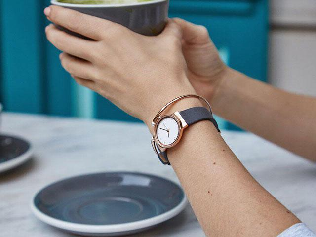 Hybrid Smartwatch -Why A Hybrid Smartwatch Should Be On Your Christmas List - Women's Health UK