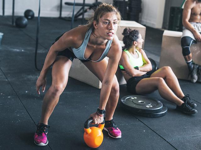 Does-lifting-weights-help-you-lose-fat