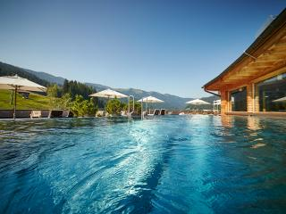 forthofalm hotel swimming pool