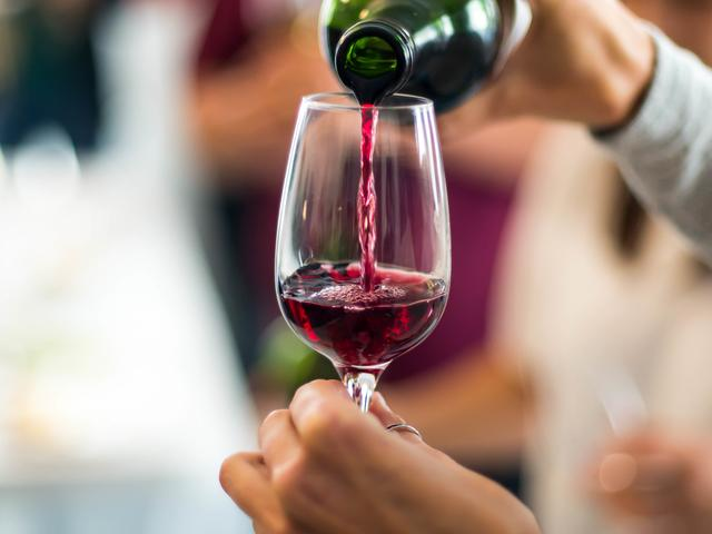 Are-low-alcohol-and-alcohol-free-drinks-healthy 2-Thinking Of Switching To Low-Alcohol And Alcohol-Free Drinks? Read This First-Women's Health UK